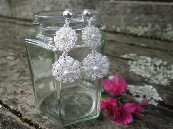 Double Peyote Daisy Earrings White